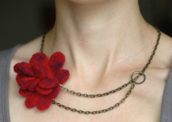felt flower felted jewelery handmade necklace