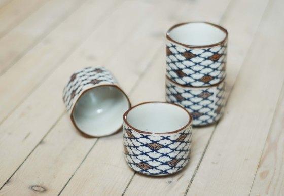 vinatge pottery cups